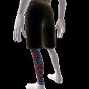 Bein-Tattoo und Shorts (links)